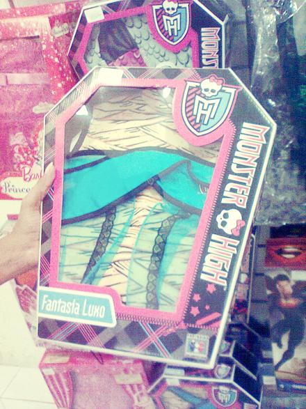 Caixa da fantasia da Cleo de Nile. Monster High. Foto: Márcia Jamille. 2013.