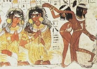 Parte de uma arte mural que retrata um banquete. Enquanto as musicistas tocam duas dançarinas entretêm os convidados. Tumba de Nebamon. Tebas Ocidental. XVIII Dinastia.